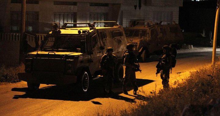 الاحتلال يقتحم البالوع ويطلق النار بكثافة تجاه منازل المواطنين