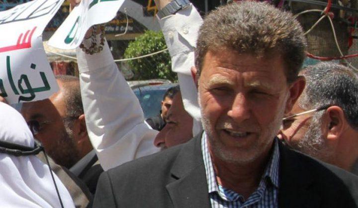 الاحتلال يواصل فرض العقوبات على الأسير نائل البرغوثي