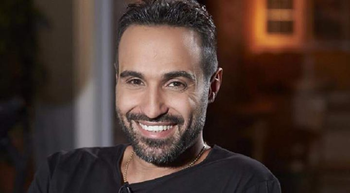الفنان أحمد فهمي يطمئن جمهوره