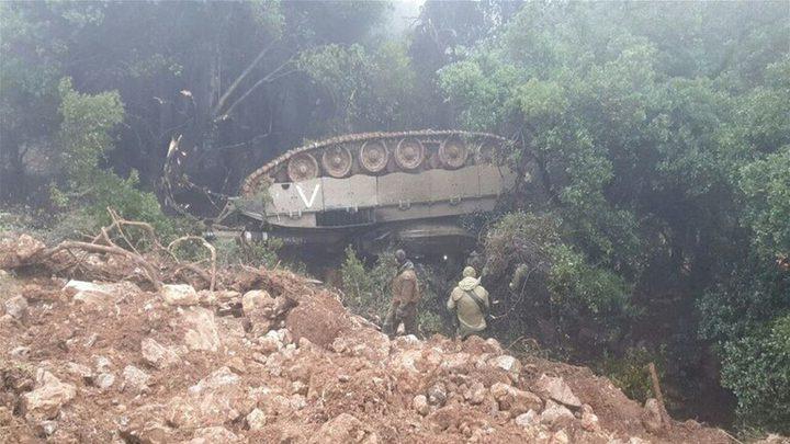 انقلاب دبابة إسرائيلية بالقرب من الحدود اللبنانية