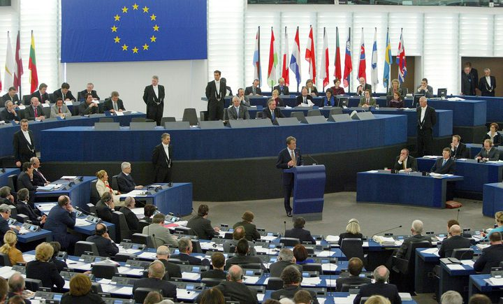 الاتحاد الأوروبي يساهم بـ10ملايين يورو لدفع مخصصات الأسر المحتاجة