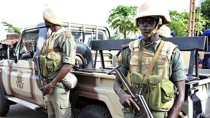 مقتل 3 جنود و14 مسلحا في هجوم غرب النيجر