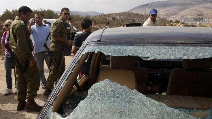 مستوطنون يعتدون على مركبات المواطنين جنوب غرب بيت لحم