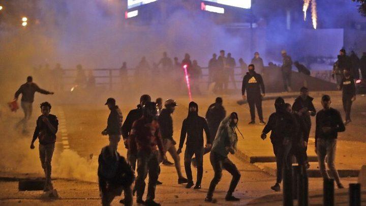 مناصرو الأحزاب يحاولون اقتحام ساحة الاعتصام وسط بيروت