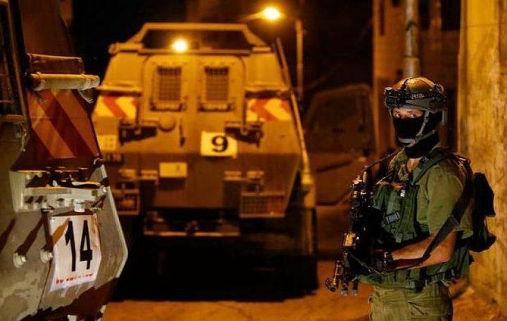 قوات الاحتلال تعتقلشابا من جنين بالقرب من حاجز الجلمة