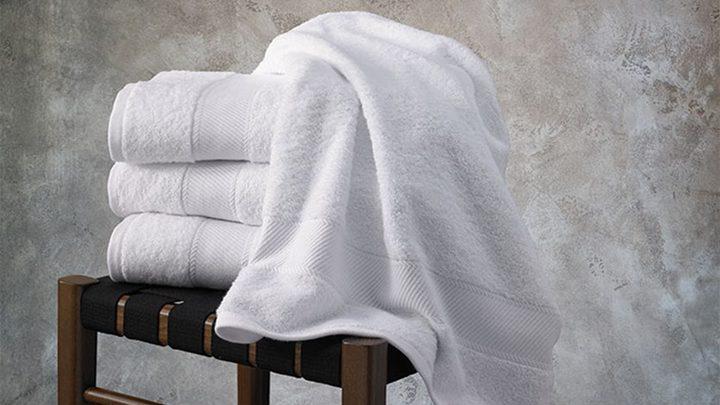 دراسة تحذر: مشاركة مناشف الاستحمام تزيد خطر الإصابة بالأمراض