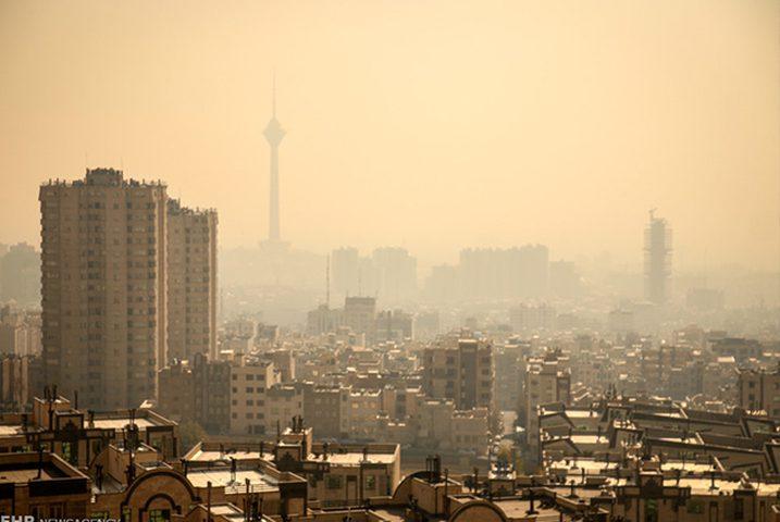"""""""التلوث البيئي"""" يتسبب في إغلاق المدارس في إيران"""