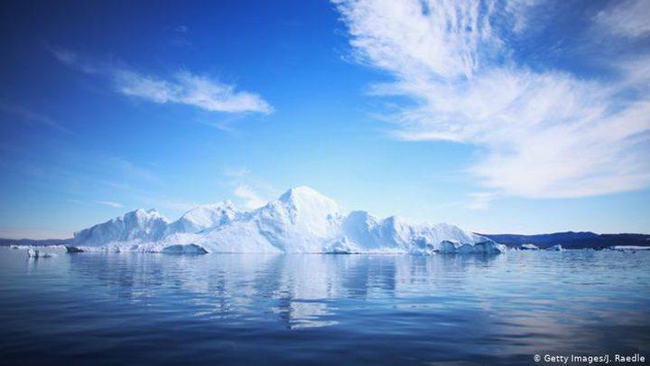 """علماء يكتشفون """"النهر المظلم"""" وسط جزيرة غرينلاند"""