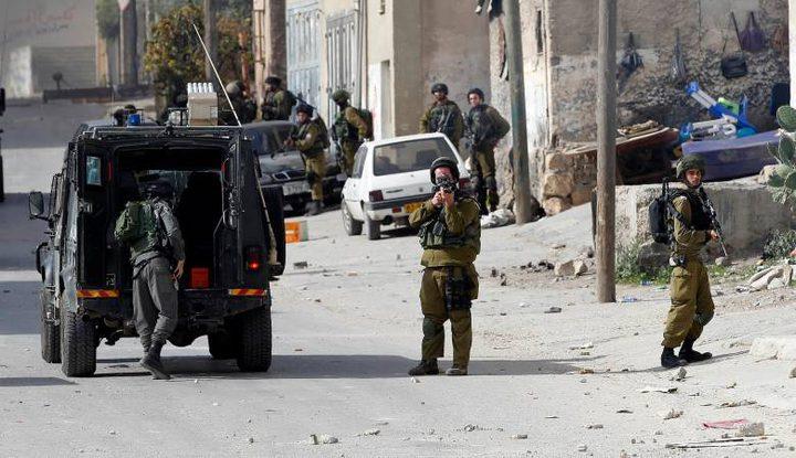 اصابة العشرات بحالات اختناق في مخيم العروب
