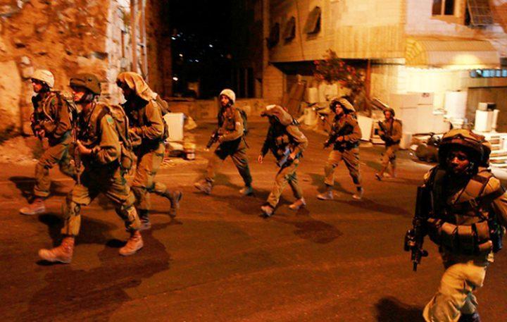 الاحتلال يعتقل أسيران محرران من الخليل