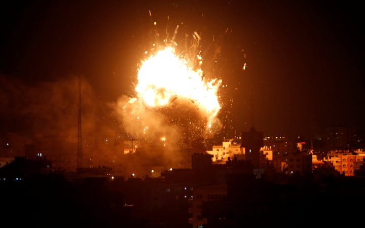 طائرات الاحتلال تستهدف موقعاً قرب المدرسة الامريكية شمال قطاع غزة