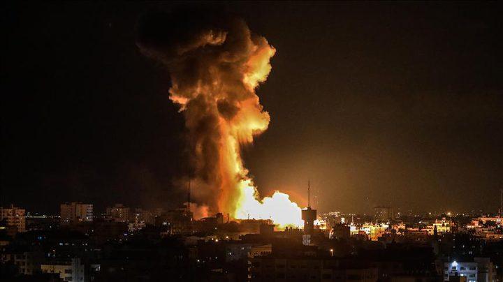 الطيران الحربي يقصف غزة بالصواريخ