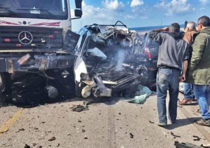 مصر: وفاة 18 عاملا بحادث سير