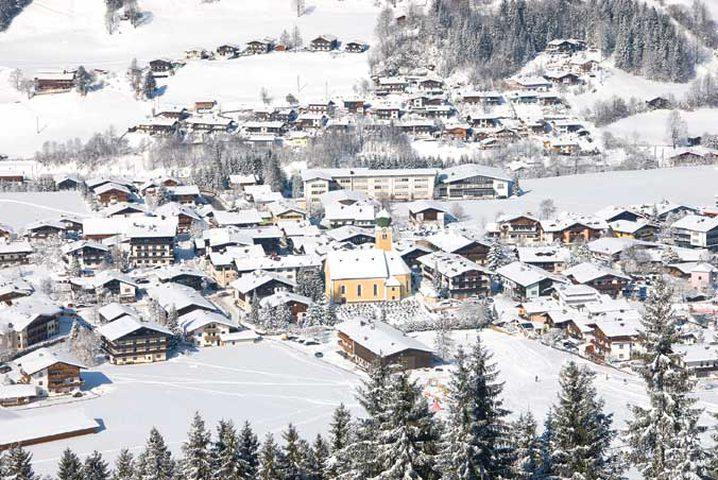 نجاة متسلق نمساوي ظل 5 ساعات تحت الثلوج الكثيفة !
