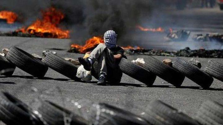 """الاحتلال يسمع بادخال اطارات المركبات """"الكاوشوك"""" إلى قطاع غزة"""