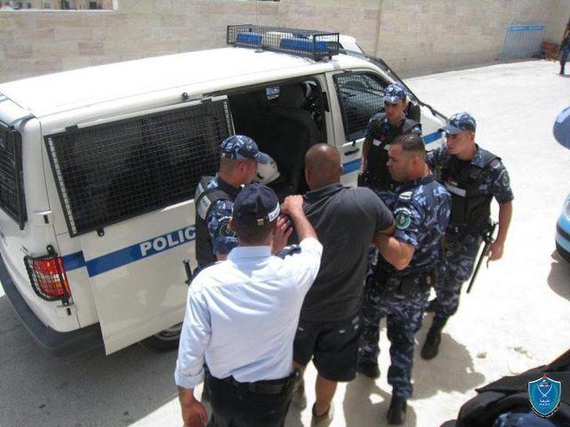 القبض على مطلوب فار صادر بحقه امر حبس بقيمة مليون ونصف شيكل