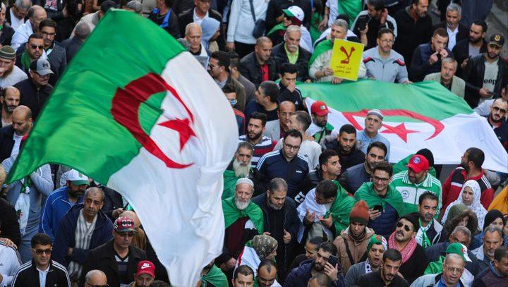 الجزائر: مظاهرات حاشدة رفضًا للرئيس الجديد