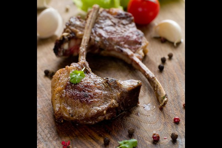 صينية لحم الريش المشوي