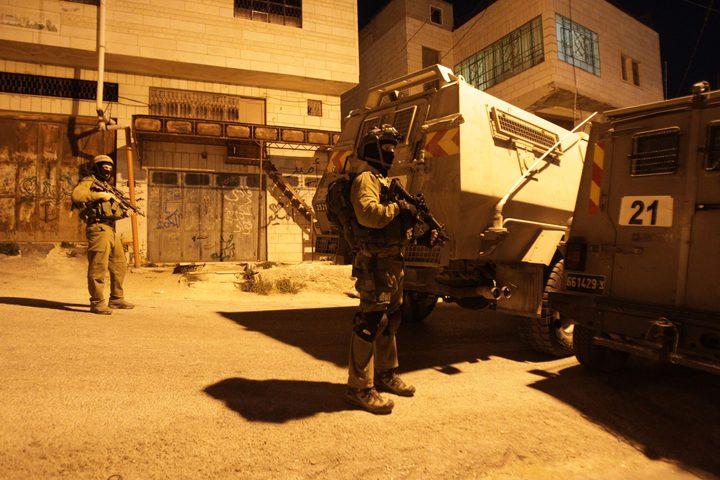 قوات الاحتلال تعتقلثلاثة مواطنين من بلدة صوريف