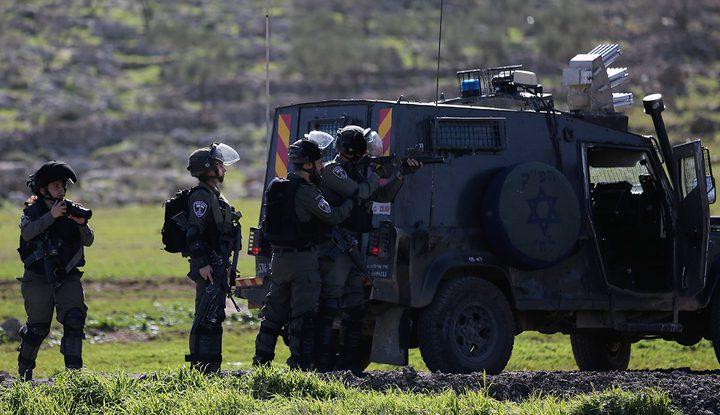 إصابتان برصاص الاحتلال والعشرات بالاختناق في المغير قرب رام الله