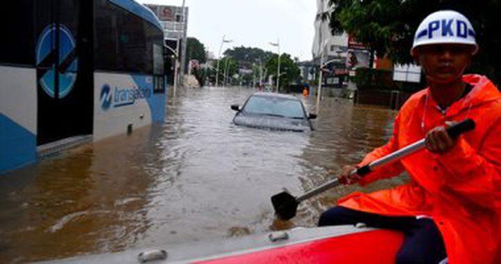 """ارتفاع ضحايا السيول بإندونيسيا لـ """"43"""" قتيلاً"""