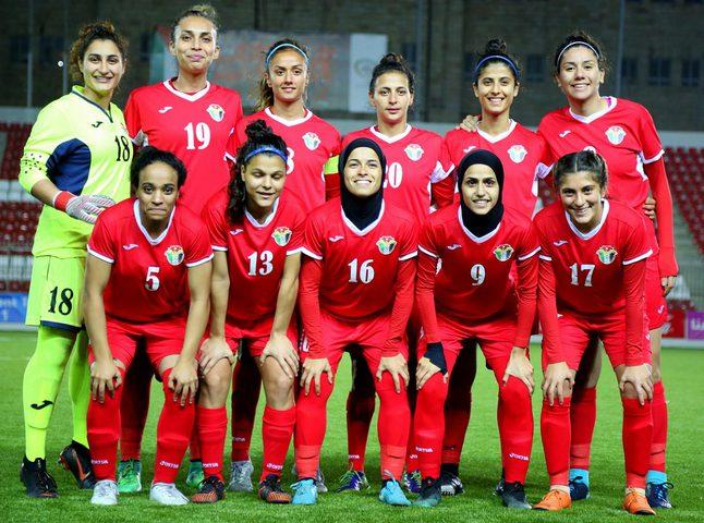 منتخب البحرين للسيدات يسعى للفوز ببطولة غرب آسيا