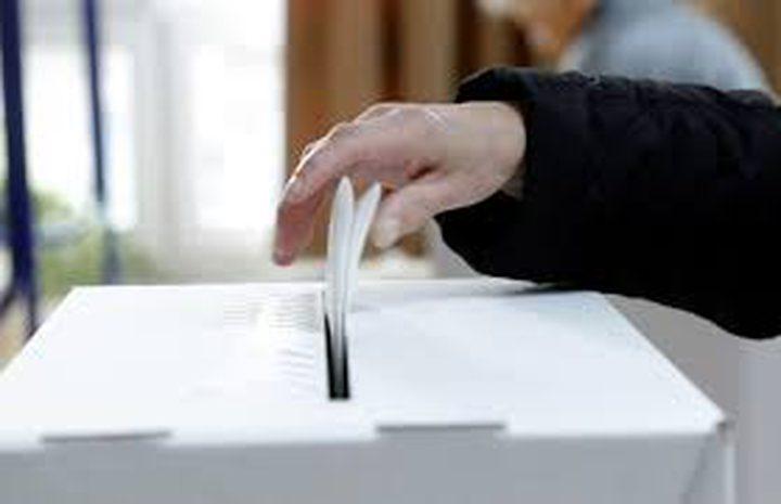 الناخبون في كرواتيا يصوتون في دورة ثانية للانتخابات الرئاسية