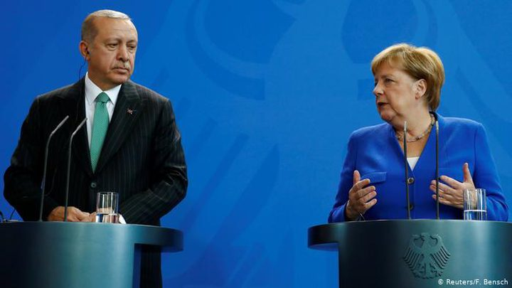 اتصال بين أردوغان وميركل لبحث الأوضاع فيليبيا وسوريا