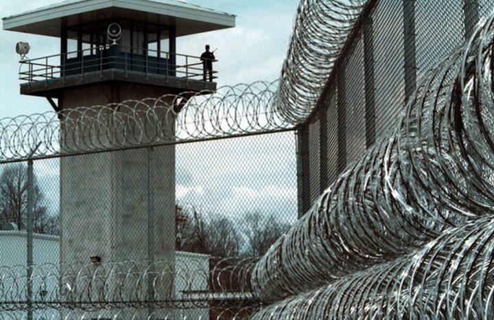 نادي الاسير: نقل اسير من سجون عوفر للسجن النقب الصحراوي