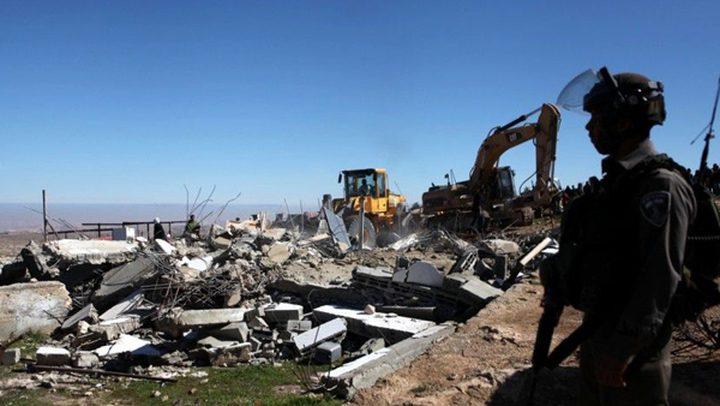 سلطات الاحتلال تجبر عائلة مقدسية على هدم منزلها في المكبر