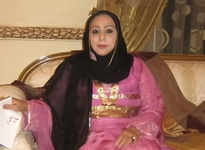 الفنانة العمانية شمعة محمد تُفجع بوفاة زوجها