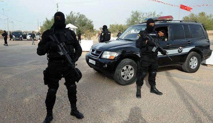 تونس تضبط 19 متسللاً قرب الحدود مع ليبيا