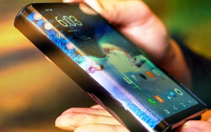 سامسونغ توضح حقيقة مبيعات هاتفها القابل للطي