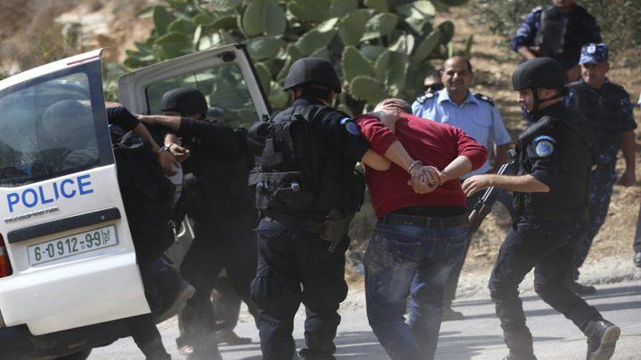 رام الله: الشرطة تقبض على شخص صادر بحقه حكم 10 سنوات