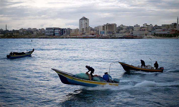 مركز حقوقي: 351 انتهاكًا إسرائيليًا بحق صيادي غزة خلال 2019