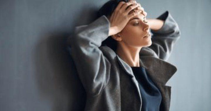 ما هو تأثير الإجهاد والقلق النفسي على صحة جلدك؟