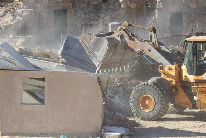 الاحتلال يستولي على بركس قرب رأس كركر غرب رام الله