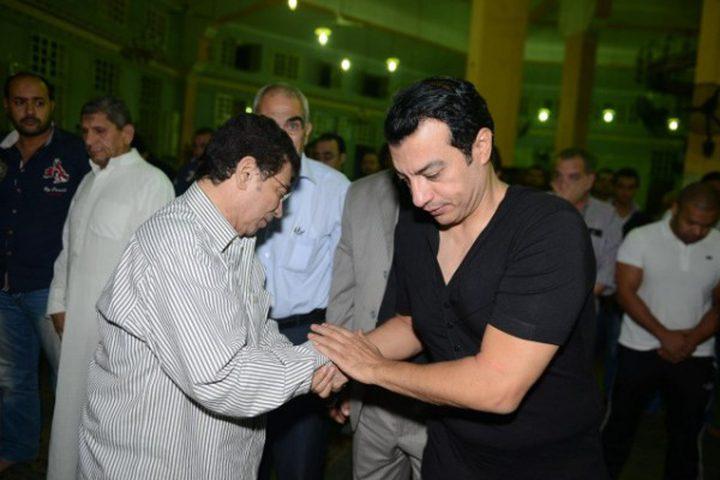وفاة والد الفنان إيهاب توفيق في حريق فيلته بمدينة نصر