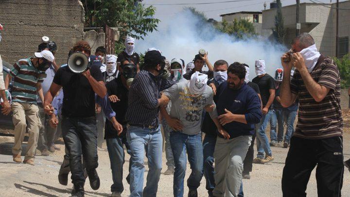 عشرات الاصابات بالاختناق في مسيرة كفر قدوم الاسبوعية