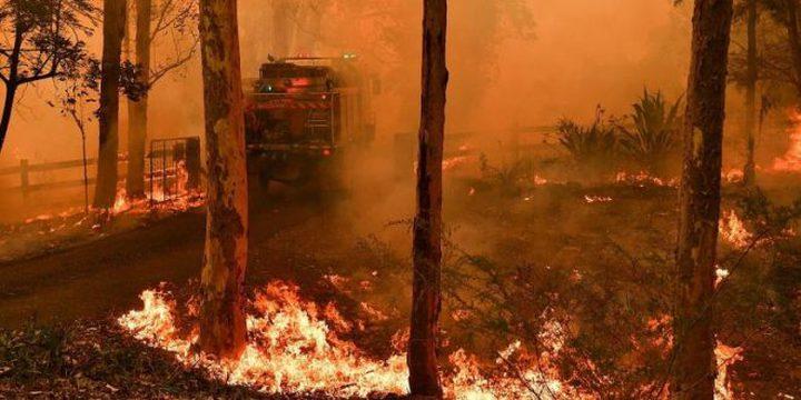 أستراليا تحث نحو ربع مليون شخص على ترك منازلهم خوفاً من الحرائق