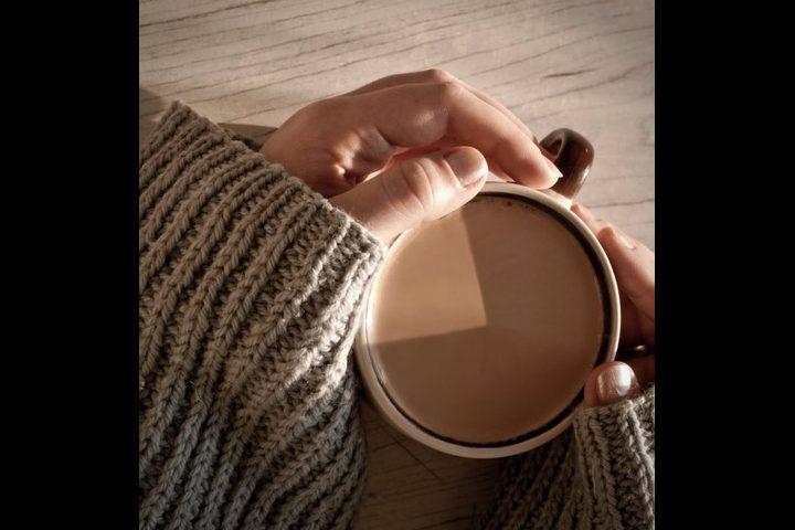 طرق طبيعية للشعور بالدفئ والابتعاد عن أضرار الدفاية في الشتاء