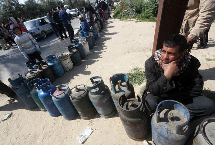 مصادر خاصة: مالية حماس تتحكم باستيراد الغاز والوقود من مصر