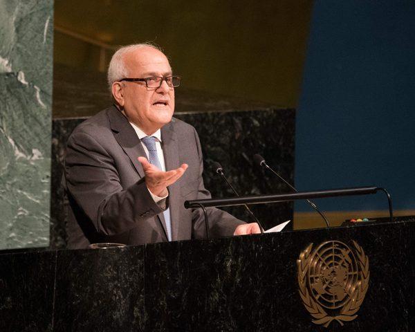 منصور يدعو المجتمع الدولي لمنع تنفيذ خطط الاحتلال بضمالضفة