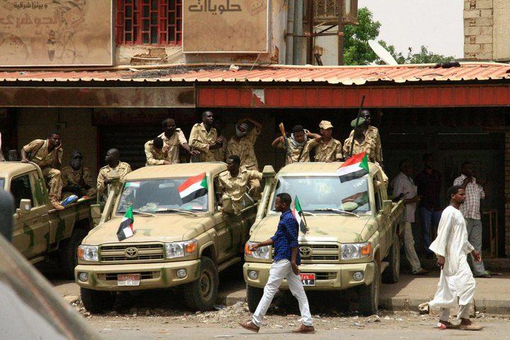 """""""تمرد"""" لعناصر في المخابرات السودانية وإغلاق المجال الجوي للخرطوم"""