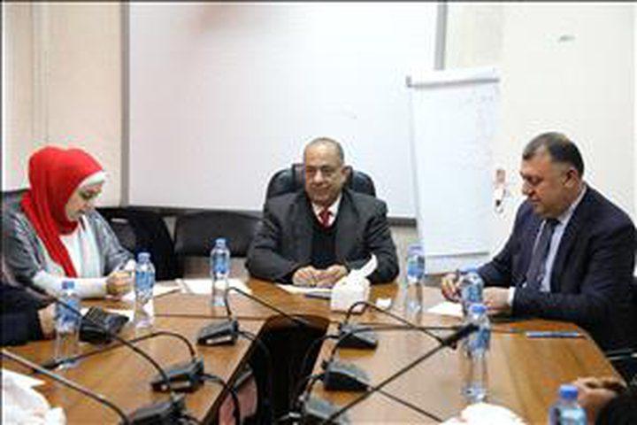 وزير العدل يلتقي ممثلين عن أهالي الشهداء المحتجزة جثامينهم