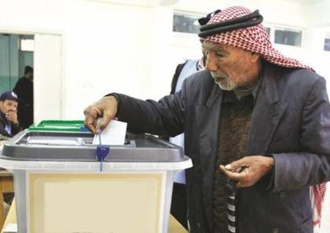 """نصر: قيادة """"فتح"""" مصممة على إجراء الانتخابات"""