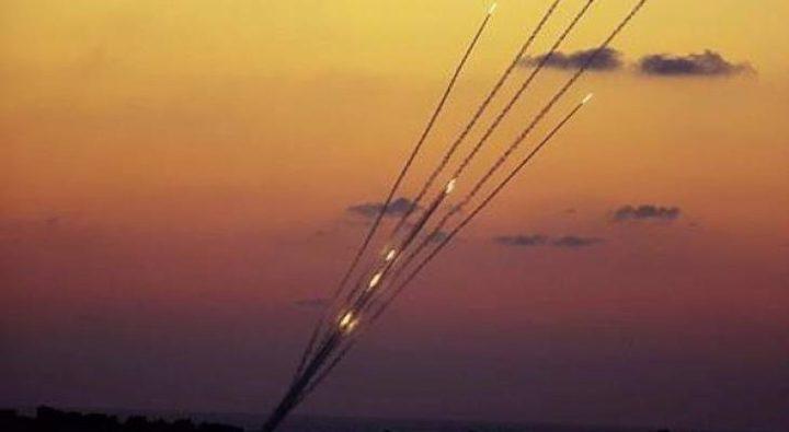 الاحتلال يزعُم: إطلاق عدة صواريخ من قطاع غزة