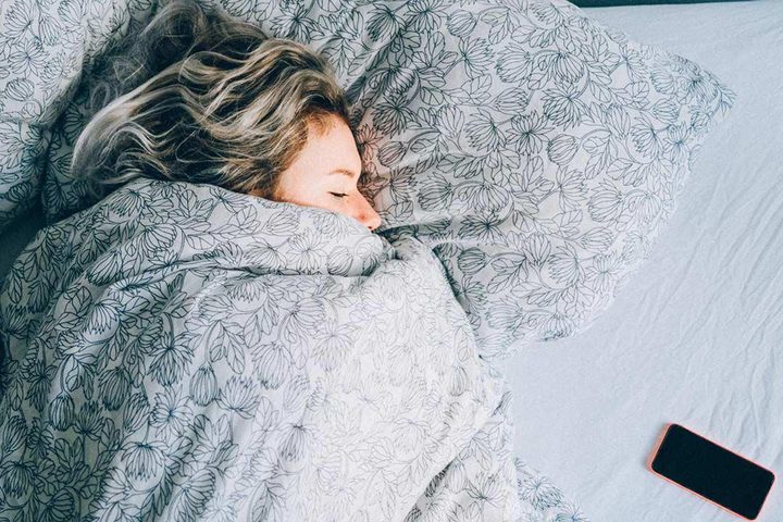 دراسة تكشف سبب كثرة النوم في الشتاء