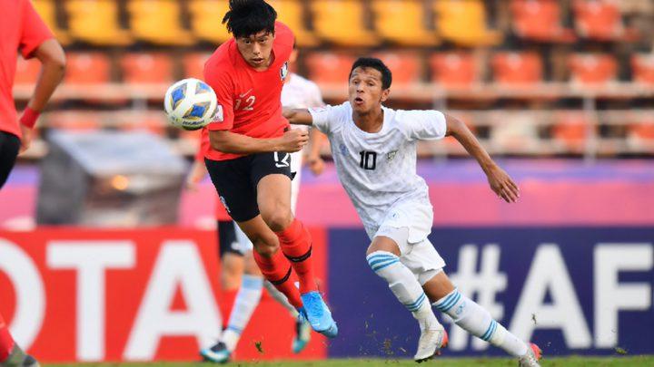 كوريا الجنوبية وأوزبكستان تتأهلان لكأس آسيا وإيران تودع البطولة