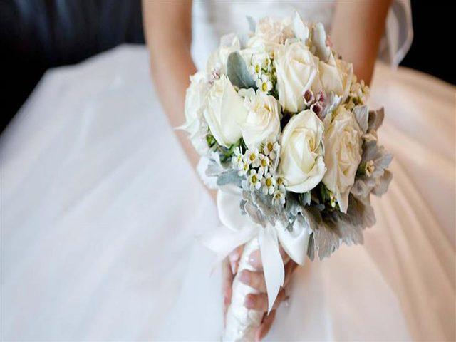 فتاة تقيم حفل زفافها في مستشفى ليحضره والدها قبل موته !